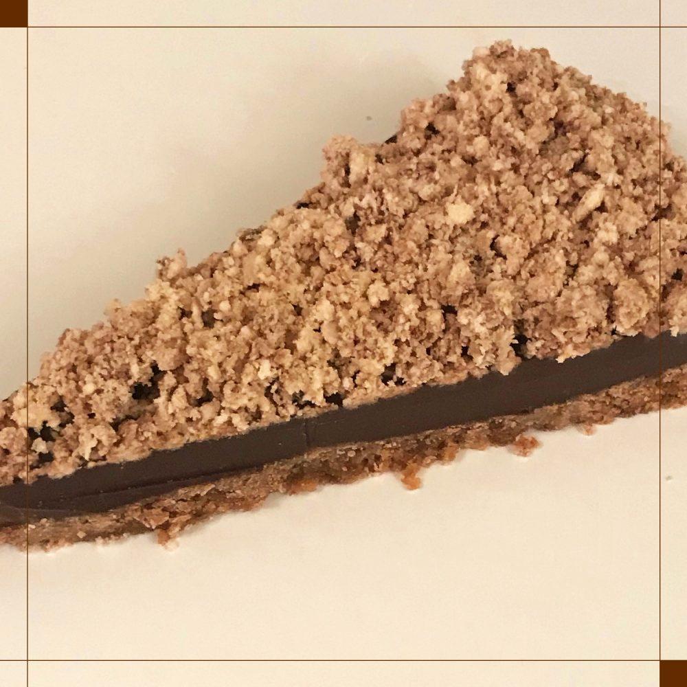 Σοκολατένια τάρτα με Ταχίνι κακάο και Χαλβά σοκολάτα της Χαλβαδοποιίας Κρήτης.